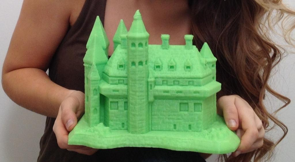 Large 3D Printer makes Castle of the Maker Empire