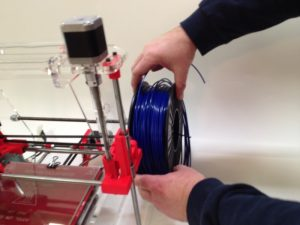 Mounting filament spool on 3D printer