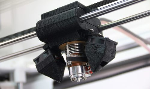 3D Printer Hotend with Interchangeable Nozzles